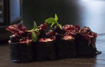 Hosomaki foie y frutos rojos